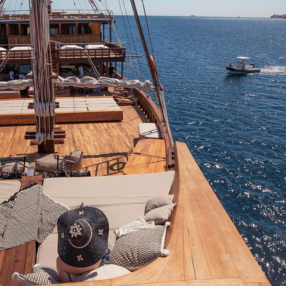 Things in Luxury Liveaboard Komodo You Can't Find in A Hotel