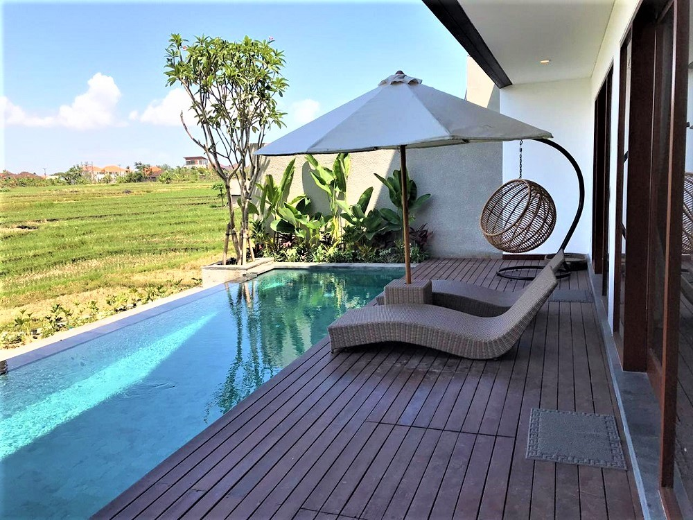 Villa Ubud Bali with a private pool and rice field view